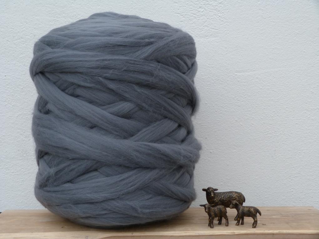 Merino lontwol grijs 018 gekleurde lontwol groot schapenvacht - Grijs gekleurde ...